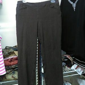Chico's So Slimming brown pants